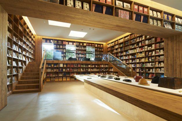MUJI HOTEL BEIJING_BOOK LOUNGE
